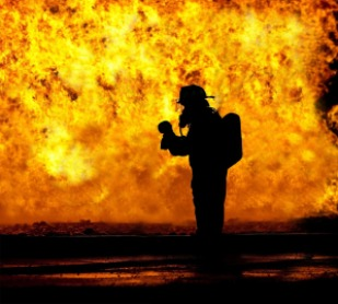 fire-fighter-2098461_1280